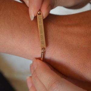 Bracelet gravé pour témoin